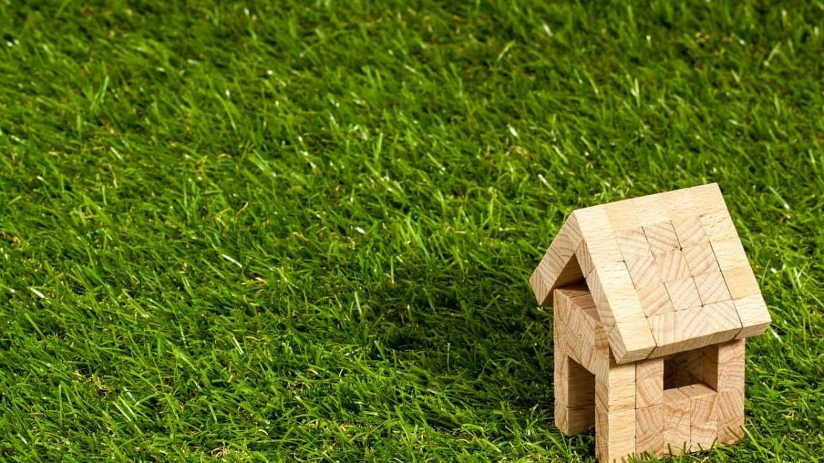 Roof Maintenance 101: How to Protect Your Roof Year-Round