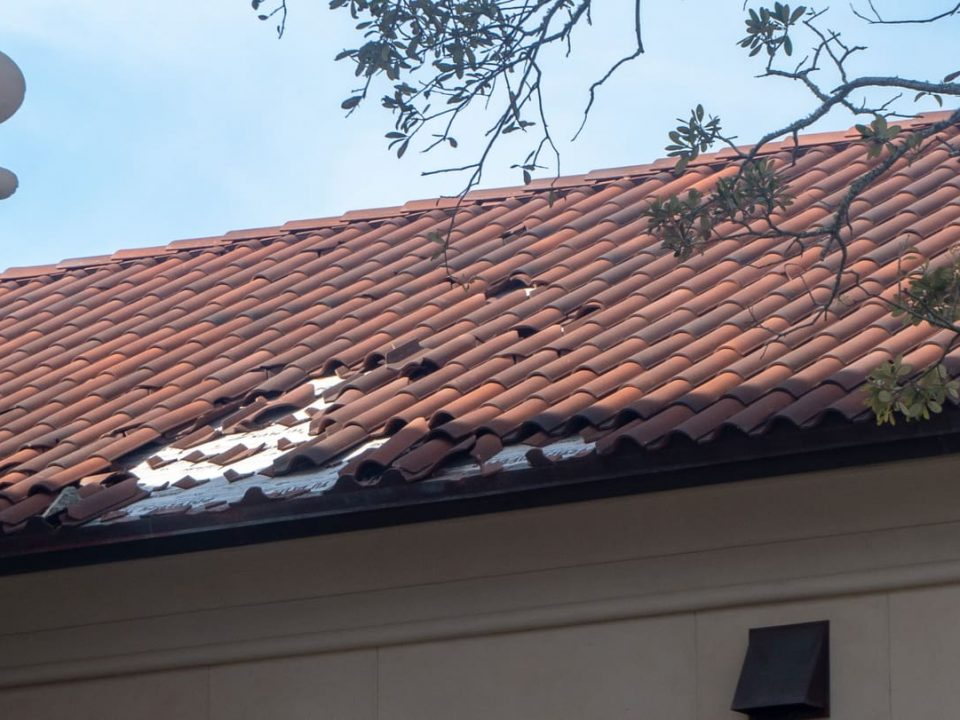 """5 """"Must Do's"""" if You Have Hurricane Roof Damage"""