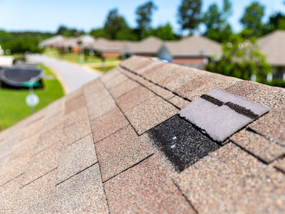 Thinking of Repairing or Replacing Your Roof? Here Are The Pros and Cons of Each